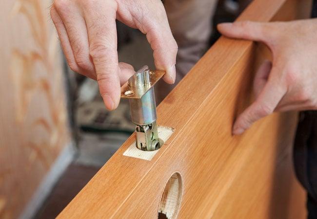Emergency-locksmith-service